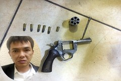 Hà Nội: 14 giờ truy 'nóng' kẻ dí súng cướp tiền ở chợ Long Biên