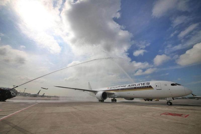 Singapore Airlines tạm dừng khai thác 2 máy bay Boeing 787-10