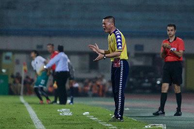 HLV Chu Đình Nghiêm: Hà Nội FC trả giá đắt vì sai lầm cá nhân