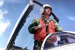 Hé lộ vụ va chạm giữa máy bay quân sự Trung - Mỹ 18 năm trước