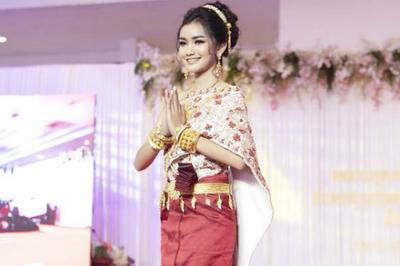 Cô gái 18 tuổi đăng quang Hoa hậu Campuchia bị chê mặt như học sinh cấp 2