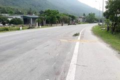 Va chạm với ô tô, hai thanh niên đi xe máy tử vong ở Hà Tĩnh