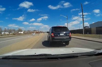 Tài xế xe sang Range Rover phanh đột ngột, 'cố tình gây hấn'