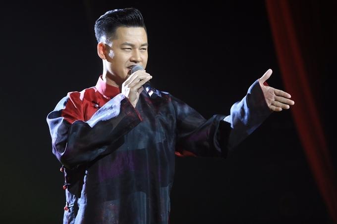Danh ca 76 tuổi Nhật Bản nghẹn ngào đàn, hát tưởng nhớ Trịnh Công Sơn
