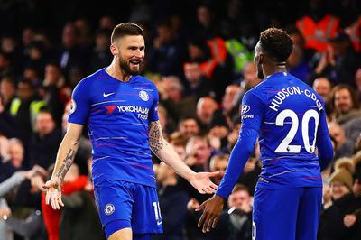 Đại thắng nhờ 2 siêu phẩm, Chelsea vượt mặt MU