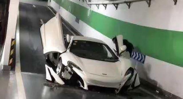 Nghi vấn siêu xe McLaren 650S bị toác đầu khi lao dốc xuống hầm là hàng nhái