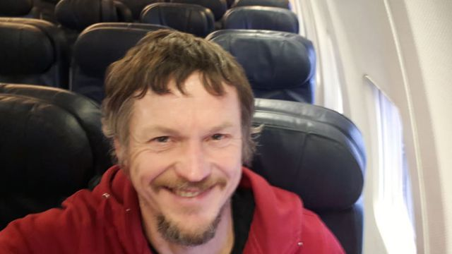 Lên máy bay 182 chỗ ngồi mới biết mình là hành khách duy nhất