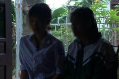 Nữ sinh trực tiếp lột đồ, đánh bạn ở Hưng Yên: Chỉ do a dua