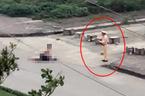 Vụ dùng kéo đâm chết bạn gái: Tạm dừng phân công nhiệm vụ với 1 CSGT
