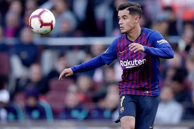 """Barcelona bán tháo 11 cầu thủ """"ăn hại"""""""