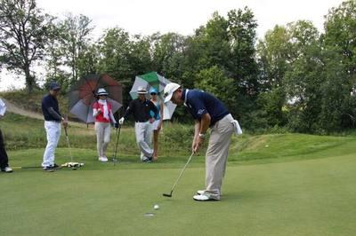 Làm nóng giải golf hữu nghị tại Nga