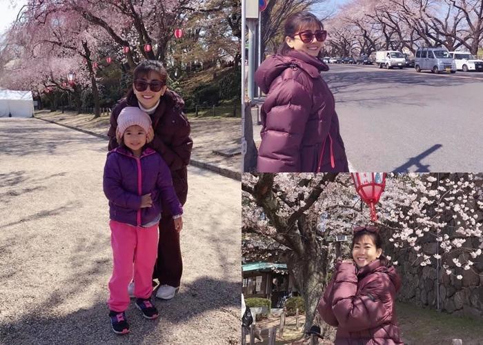 Mặc sức khỏe còn yếu, Mai Phương vẫn cùng con gái sang Nhật ngắm hoa anh đào