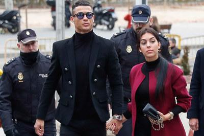 Ronaldo thua kiện báo Đức về tội trốn thuế