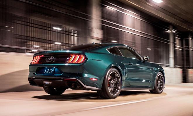 kính showroom,xe Mustang,Mustang