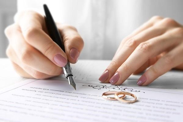 Bị cha mẹ ngăn cấm, con cái muốn tự đăng ký kết hôn