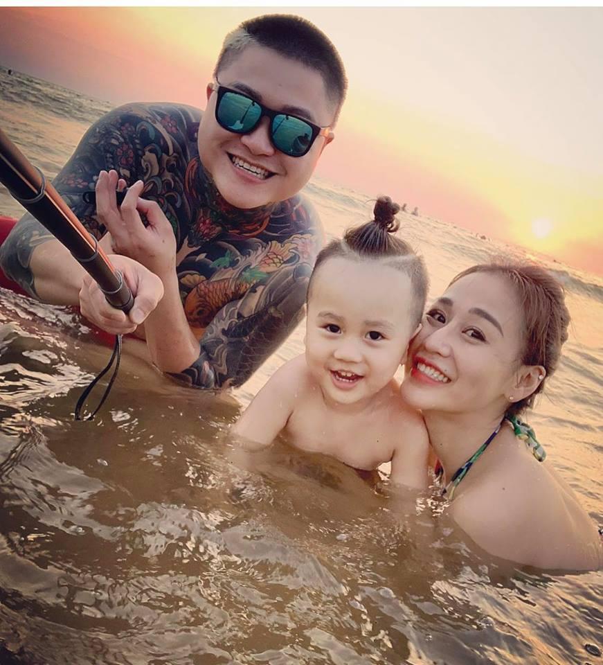 DJ Tiên Moon khoe body nóng bỏng khi đi du lịch cùng chồng cũ Vũ Duy Khánh