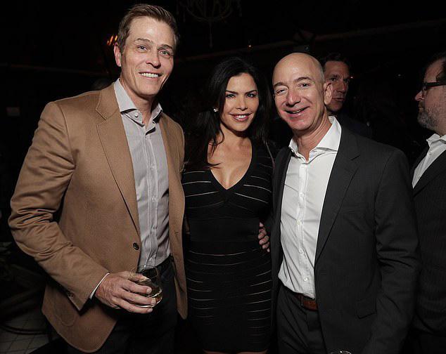 Chồng ngoại tình, vợ tỷ phú Amazon vẫn nhận phần thua thiệt