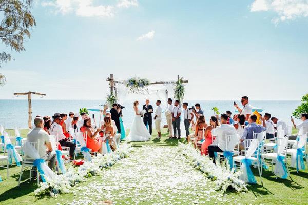 Lễ cưới đẹp như cổ tích ở Sunset Sanato Phú Quốc