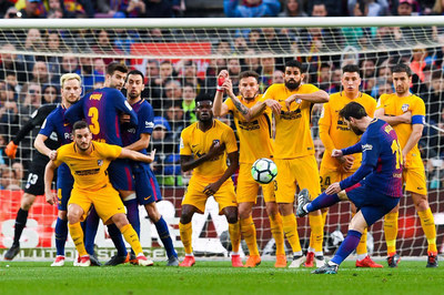 Barca vs Atletico: Messi phán quyết ngôi vương