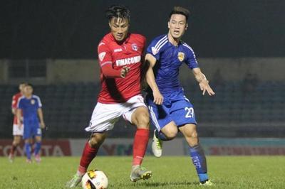 """Mạc Hồng Quân """"nổ súng"""", Than Quảng Ninh vào top 4 V-League"""
