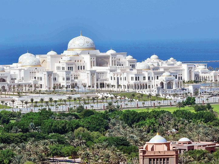 Choáng ngợp trong cung điện tráng lệ xây dựng suốt 7 năm