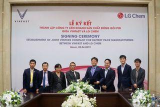 Vinfast bắt tay LG Chem lập liên doanh sản xuất pin