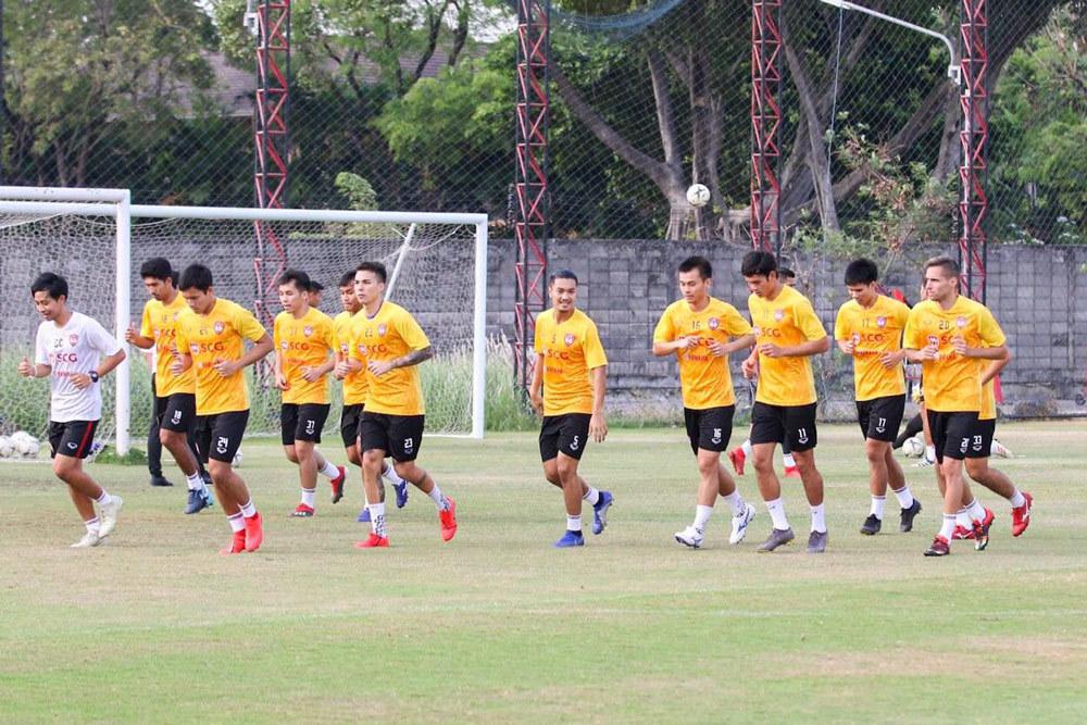 Chỉ Đặng Văn Lâm sao gánh được Muangthong United