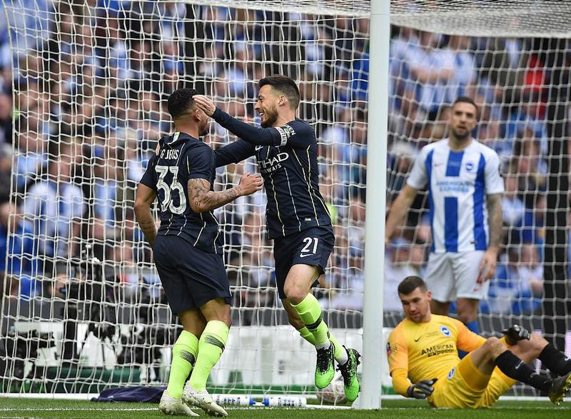 Man City nhọc nhằn vào chung kết FA Cup