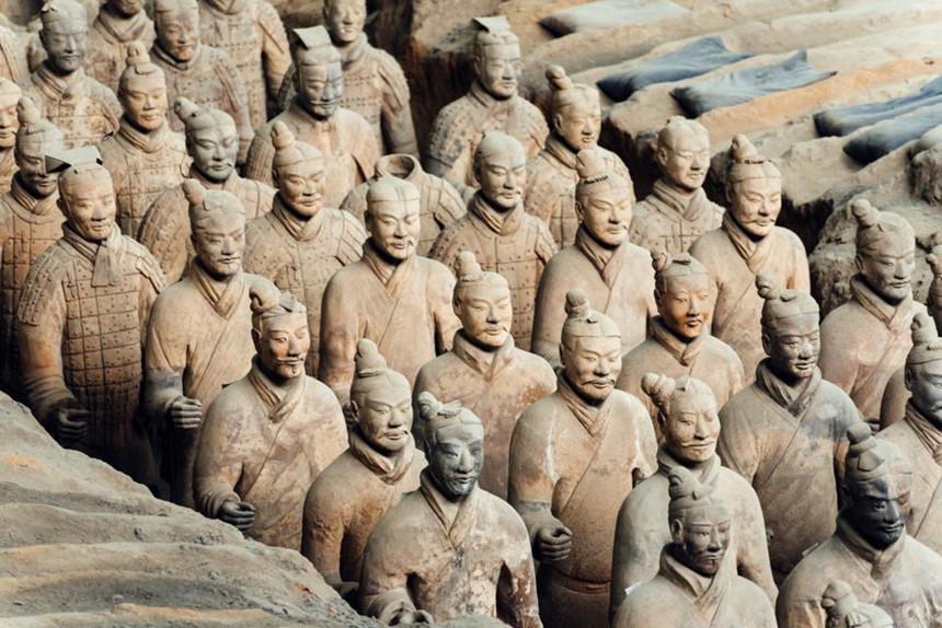 5 bức tượng bí ẩn khiến du khách lạnh gáy
