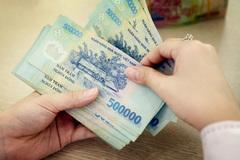 Cách ly ở nhà, lương 25 triệu vợ chồng trẻ không tiêu 1 xu
