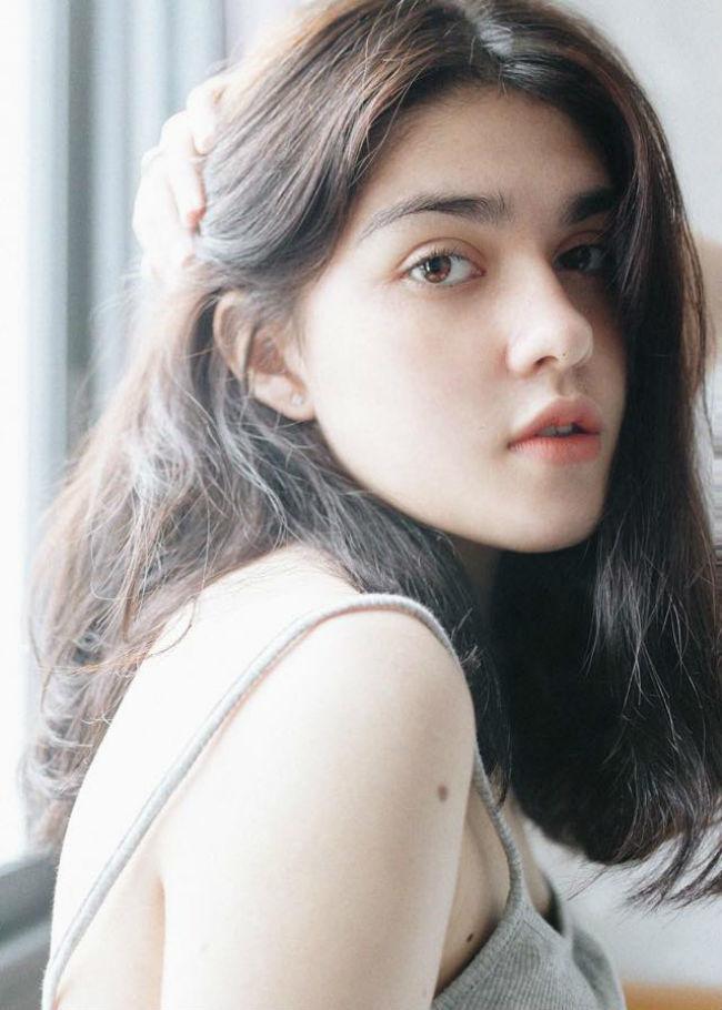 Cô gái lai Việt - Pháp - Nga quá xinh và gợi cảm đang gây sốt