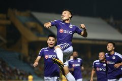Quang Hải ghi siêu phẩm, Hà Nội chiếm ngôi đầu V-League