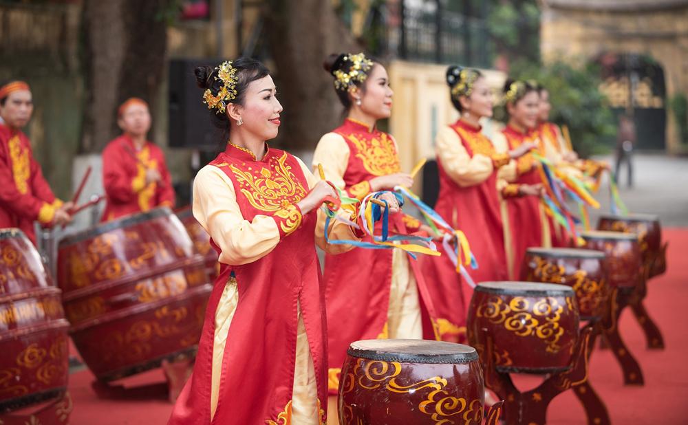 Dâng hương kỷ niệm 991 năm ngày giỗ vua Lý Thái Tổ