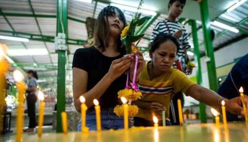 Đàn ông Thái Lan đổ xô đến điện thờ cầu thoát nghĩa vụ quân sự