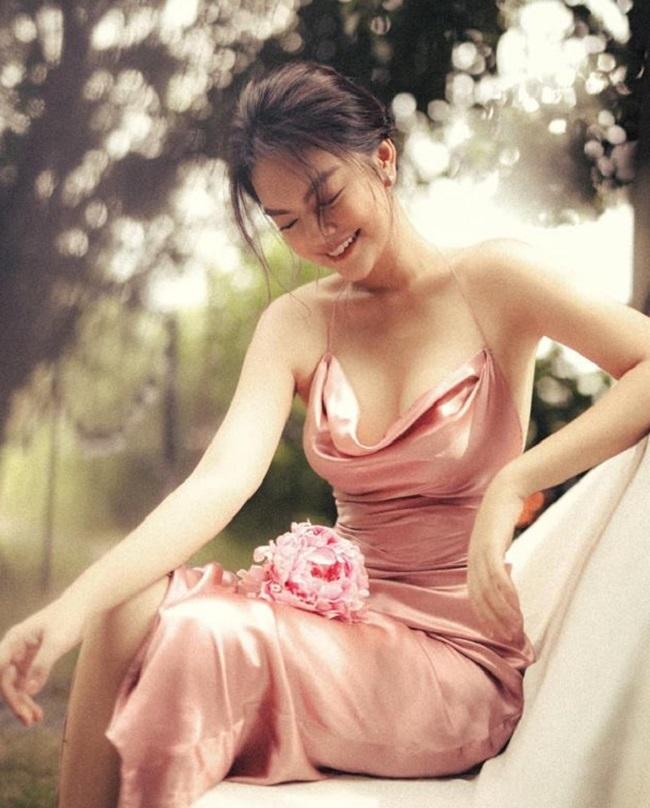 Phạm Quỳnh Anh, nữ DJ Điện Biên mặc quyến rũ gấp bội sau ly hôn