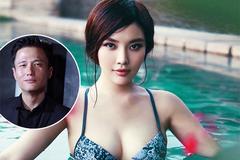 'Bom sex' Trung Quốc được bạn trai cầu hôn bằng chiếc nhẫn trong nồi lẩu