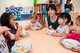 Bữa trưa tại trường mẫu giáo Singapore được chuẩn bị thế nào?