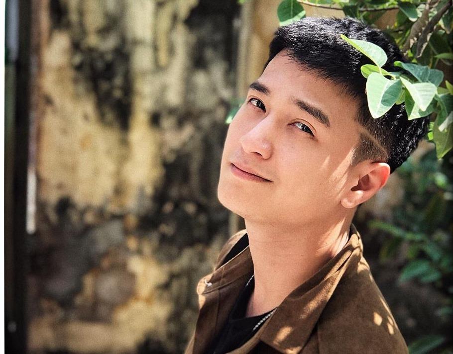 Huỳnh Anh phản hồi thông tin lại bị cắt vai vì không đúng giờ