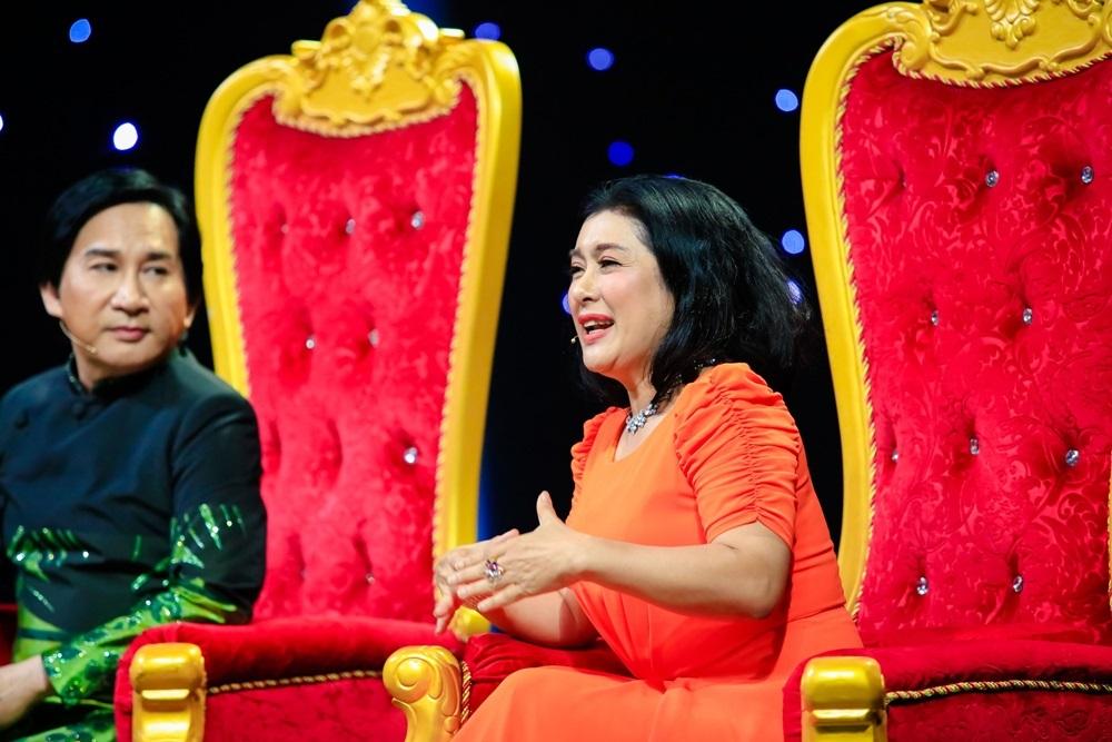 Kim Tử Long gây sốc khi tiết lộ tuổi thơ toàn mặc đồ con gái