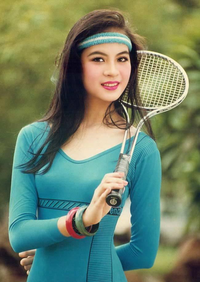 'Nữ hoàng ảnh lịch Việt' giờ đây U50, U60 vẫn trẻ đẹp, gợi cảm đáng kinh ngạc