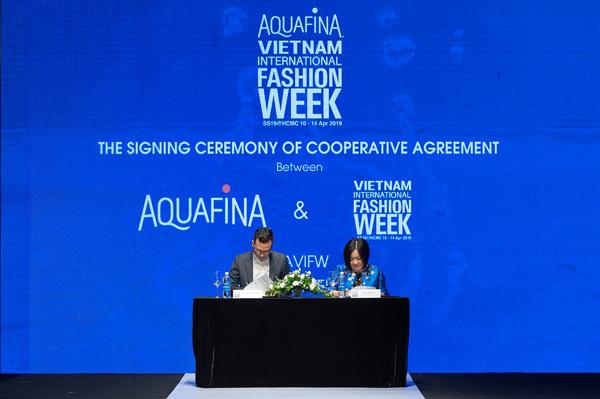 Aquafina Vietnam International Fashion Week: tầm nhìn xa cho thời trang Việt