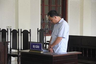 Nghệ An: Sờ ngực bé gái, gã hàng xóm lĩnh án 4 tháng tù