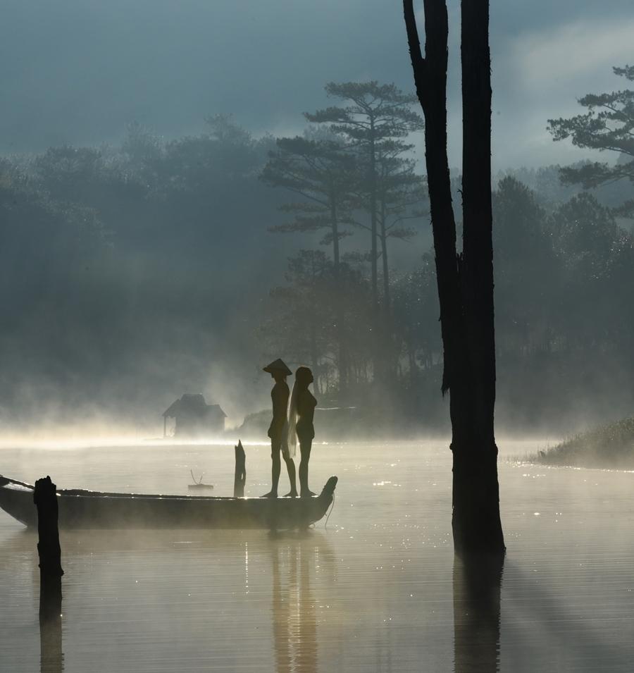 Chụp ảnh nude 100% tại Đà Lạt: Dung tục hay có thể chấp nhận?