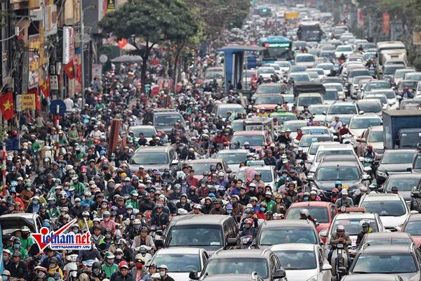 Chủ tịch HN: Cấm xe máy mới là ý kiến Giám đốc Sở Giao thông