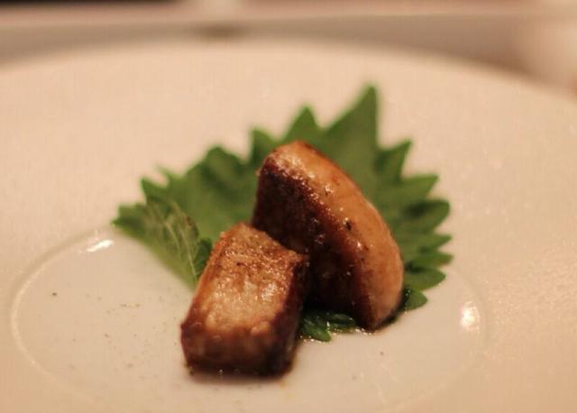 Tại sao gan ngỗng trở thành món ăn xa xỉ còn gan gà, gan vịt thì không thể