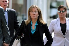13 phụ huynh giàu có đối diện án 20 năm tù vì chạy trường cho con