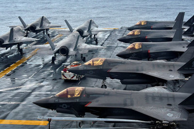 Chiến hạm, chiến cơ Mỹ tập trận rầm rộ ở Biển Đông