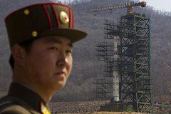 Nhật gia hạn trừng phạt Triều Tiên