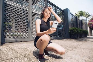 Cuối tuần của những cô nàng độc thân qua góc ảnh selfie