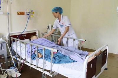 Thanh niên Quảng Ninh đâm bạn gái 18 nhát rồi tự sát bất thành